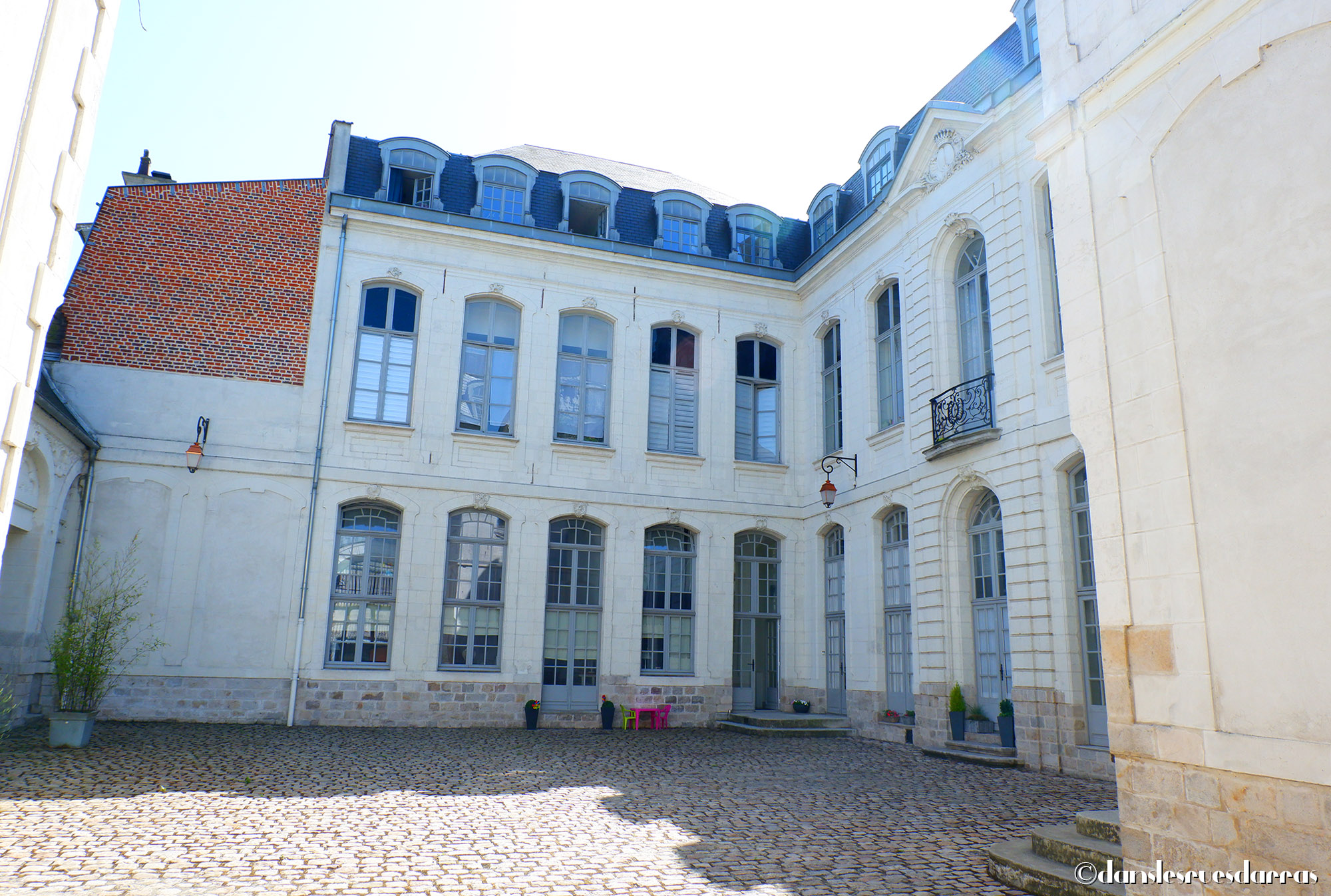 Hôtel de la Basecque - 12 rue Emile Legrelle - Arras (©MD - danslesruesdarras)